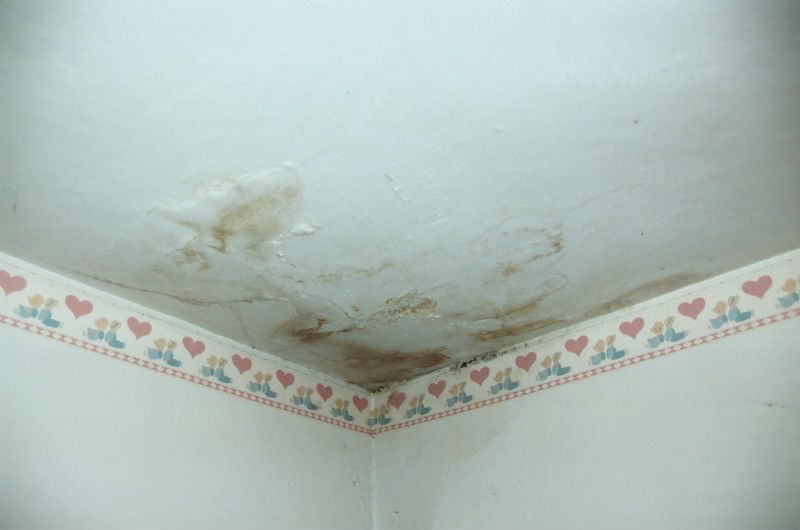 In caso di infiltrazioni di acqua ci sono casi in cui l'amministratore di condominio deve essere contattato necessariamente